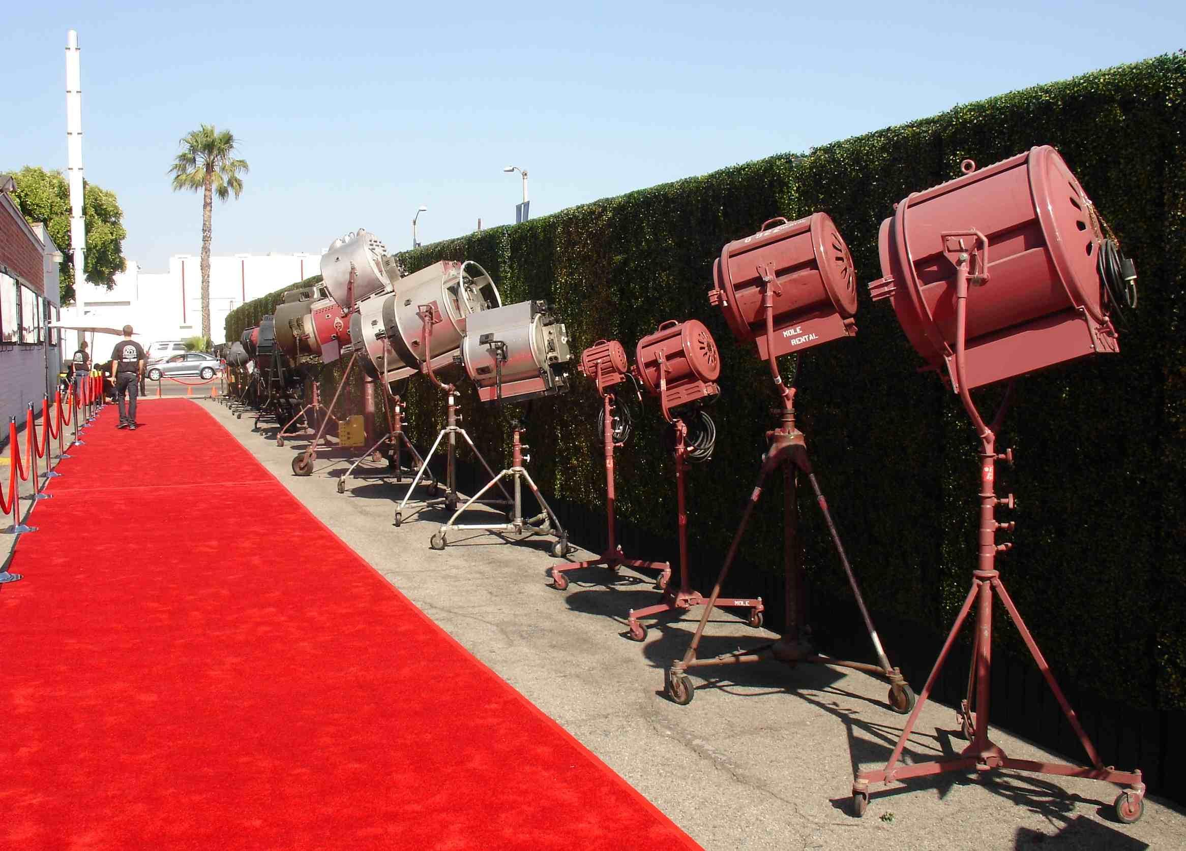 MOLE & Hollywood Lighitng Partners thanks Mole Richardson Lighting ... azcodes.com